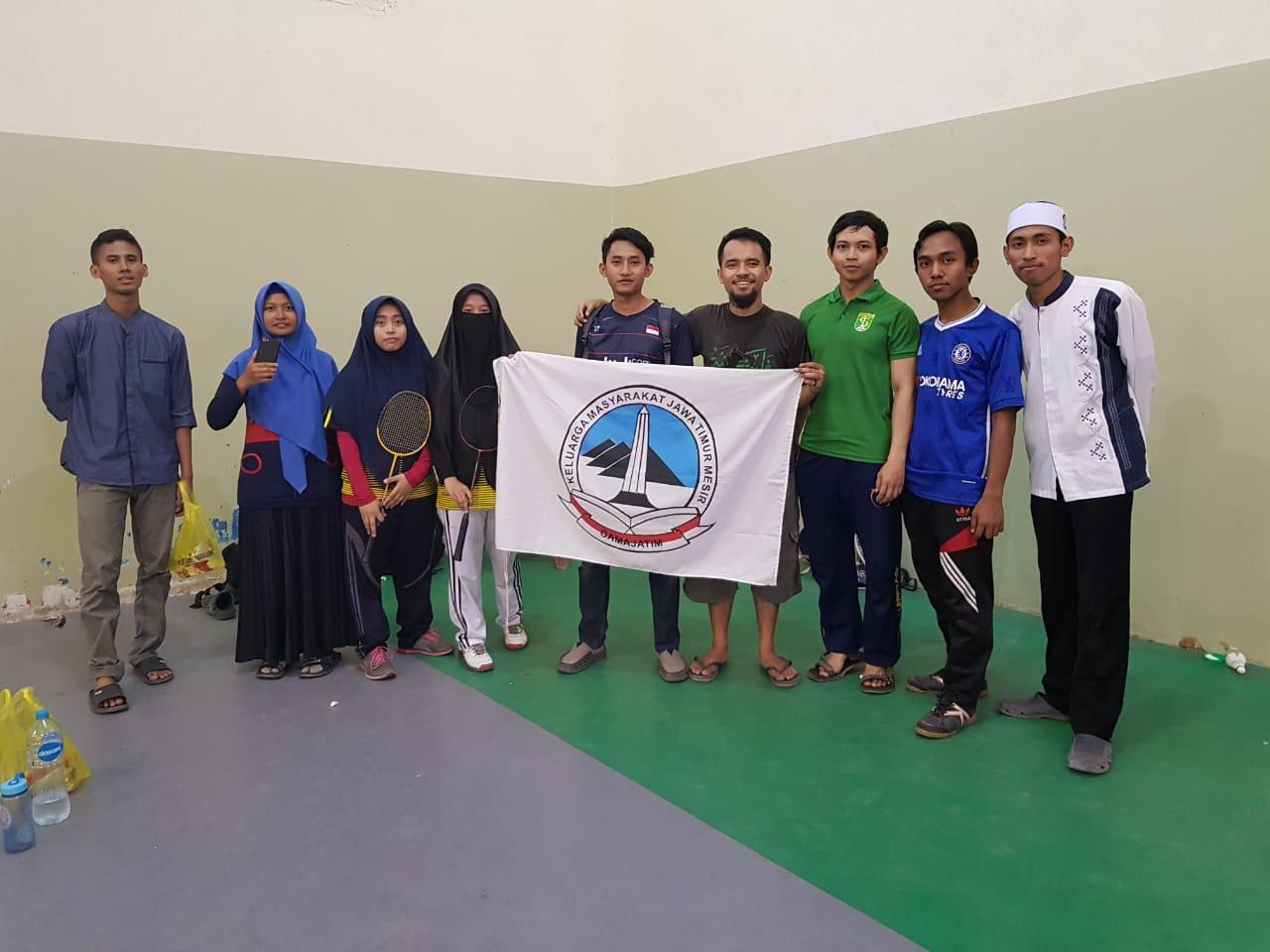 Juara I lomba Badminton Tunggal Putri Porza